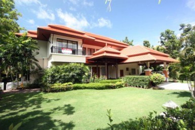 Residence in Laguna Outrigger With Beautiful Lake View ID.18LG4131 5